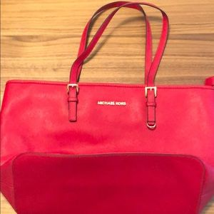 Red and gold michael kors purse very good conditon